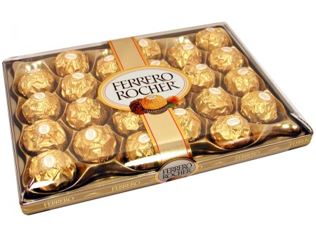 food_cakes_and_sweet_ferrero_rocher_candies_034375_